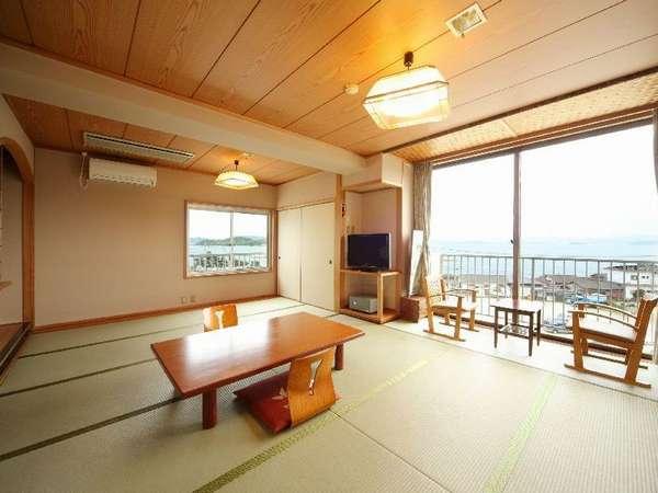 海に面した14畳のお部屋