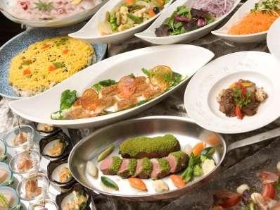 九州の食材をふんだんに盛り込んだ四季折々の味覚を、様々な調理法でお楽しみください。