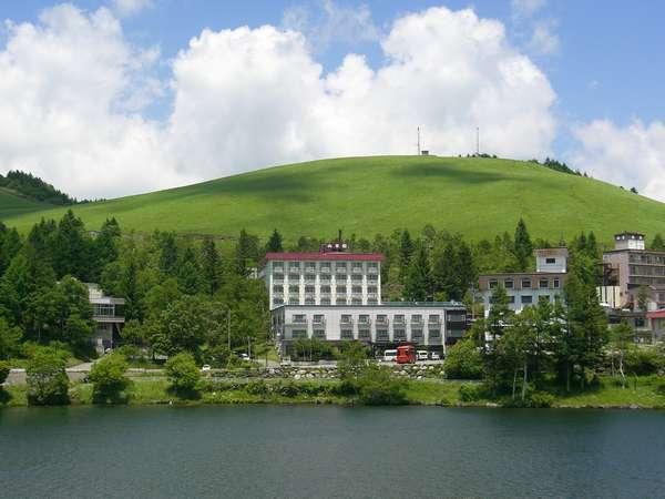 白樺湖畔に佇む温泉宿 レイクサイドホテル 山幸閣の外観