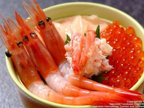 函館朝市・魚介類、野菜、青果、乾物、惣菜まで函館の新鮮な食材が揃う