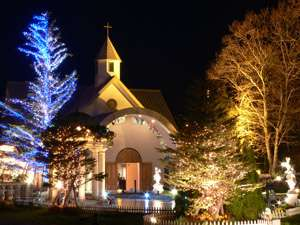 夕刻からは教会がライトアップされ綺麗♪
