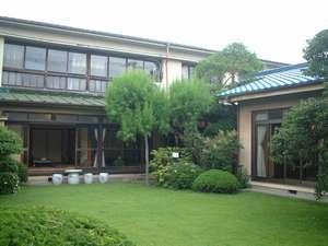 割烹旅館 糀屋の外観