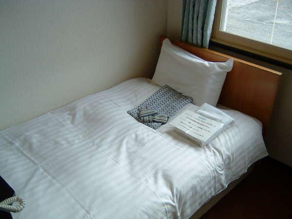【現金精算】 〓訳あり〓 お値段重視 ・お部屋は2階・古くて狭いタイプ・ 素泊りシングルルーム