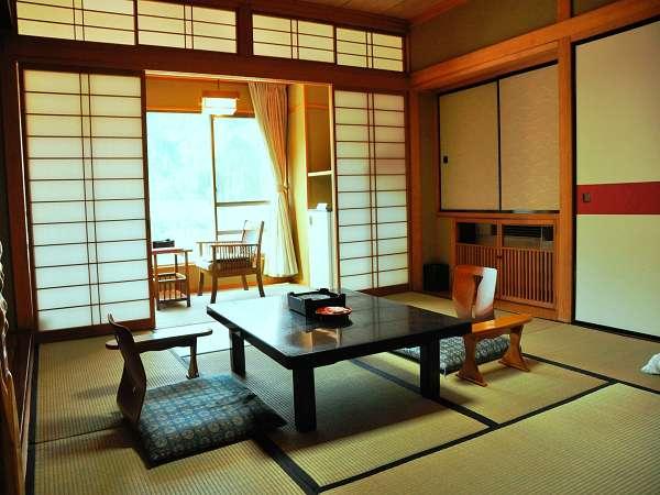 和室一例。シンプルでのんびりと過ごせます