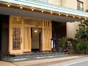 緑豊かな湯河原温泉の静かなホテル