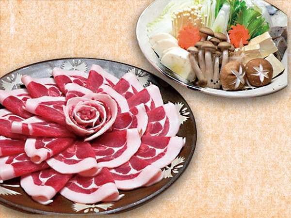 豊楽の名物料理♪ぼたん鍋【地元産天然猪】