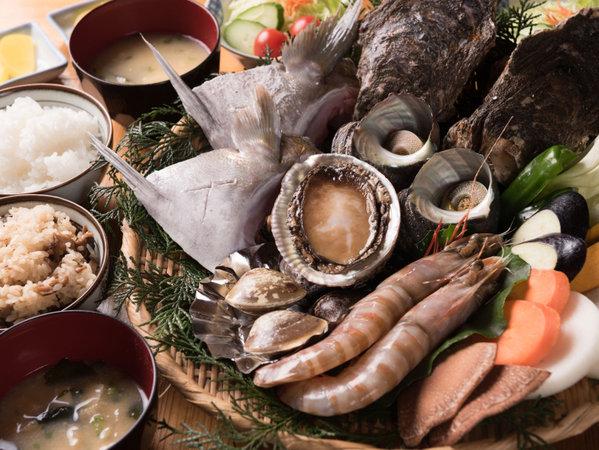 棚田百選おいしいお米と豊後水道産海の幸と九州産黒毛和牛盛合せ炭火焼き!贅沢プラン