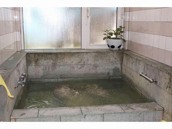 十和田石を使用したお風呂(四角タイプ)24H入浴可の貸切風呂