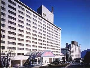 別府湾を見渡す高台のリゾートホテル