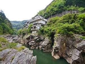 賢見温泉(世界の吉野川で KENMIラフティング)