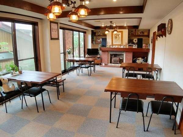 食堂兼カフェスペース