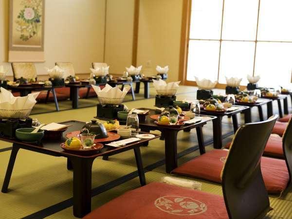 ■宴会場/大人数でのお食事は、別個室で!