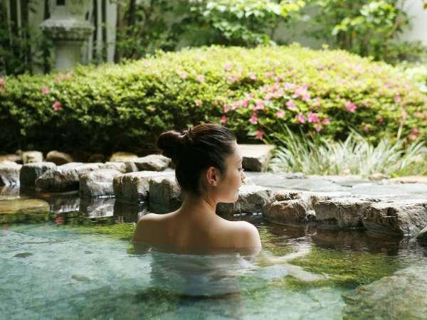 ■露天風呂/庭園付きの露天風呂。景観を楽しんでください。