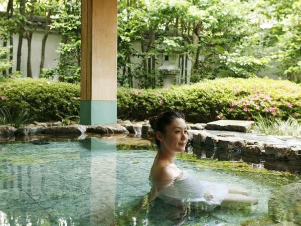 ■露天風呂/美人の湯と言われる道後温泉の湯を露天風呂で!