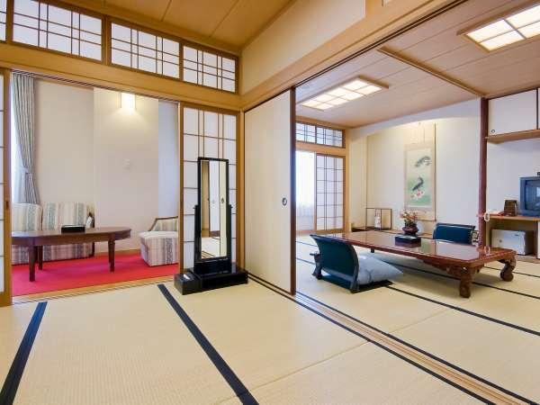 ■檜風呂付特別室/ワンランク上のお部屋。檜風呂付のお部屋で少し贅沢な気分を味わえます。