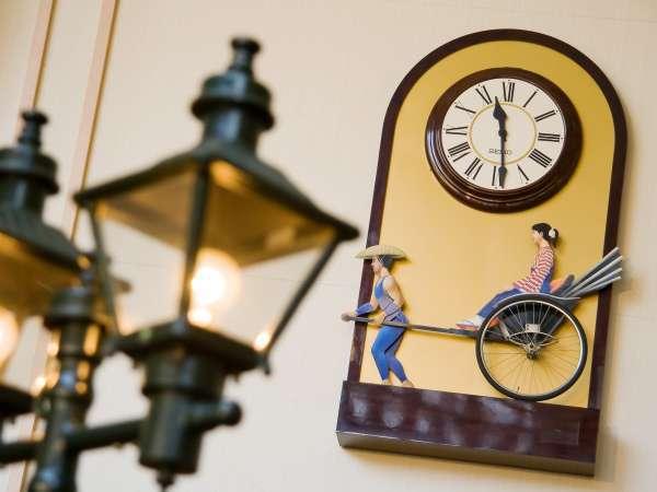 ■ロビー/当館のからくり時計。到着時お客様をお出迎え