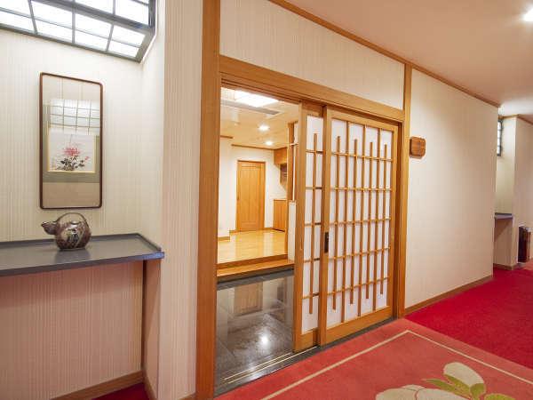 ■展望岩風呂付特別室/お部屋入口も一味違います!