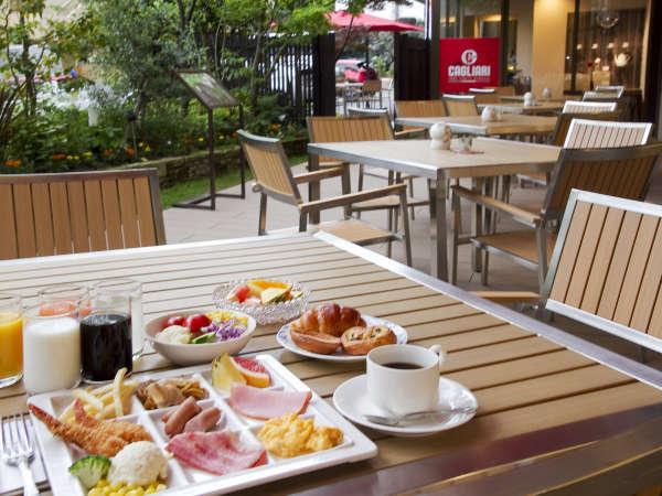 ■朝食/お天気がいい日には、テラス席が大人気です!