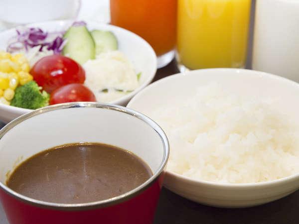 ■朝食/朝カレーで元気を充電!