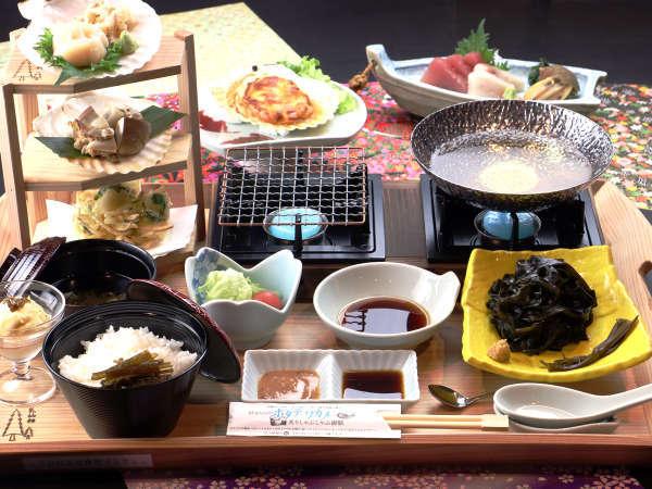 通称【ほたわか御膳】ホタテとワカメの炙りしゃぶしゃぶ御膳を仙台杉のおぼんに乗せてお出しします♪