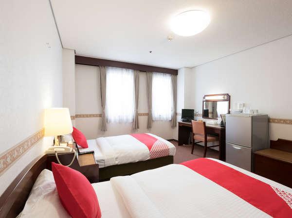 ふかふかベッドに広々としたお部屋♪全客室でインターネットが使えるという最高な空間でお過ごし頂けます。