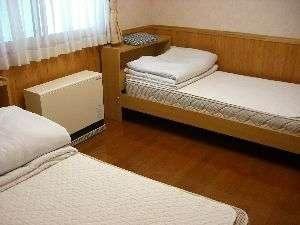 ベッドルーム例。ベッドは2台用意