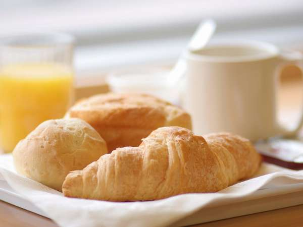 【朝食サービス】 明るいお部屋