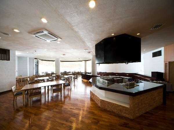 ☆レストラン(アザレア)☆ ゲレンデを一望できるレストランで料理をお楽しみ下さい♪