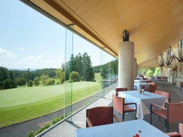 ☆ノーザンアークゴルフクラブのレストラン☆ここから見えるグリーンは最高♪♪
