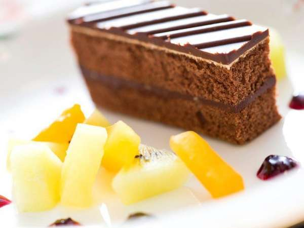 ◆ご夕食<洋食コース/デザート>オペラ・キウイ・オレンジ・パイン