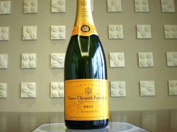 【シャンパンで乾杯】ヴーヴクリコシャンパンフルボトル付プラン/和食膳