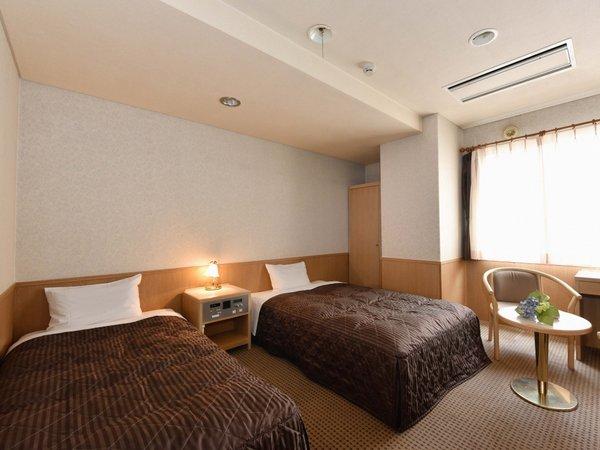 ◆ツインルーム 21平米◇幅90センチと120センチサイズのベッドをご用意。