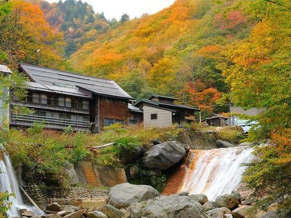 渓流絶景の宿 滑川温泉 福島屋の外観