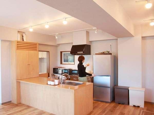 コモンスペース内の共用キッチン