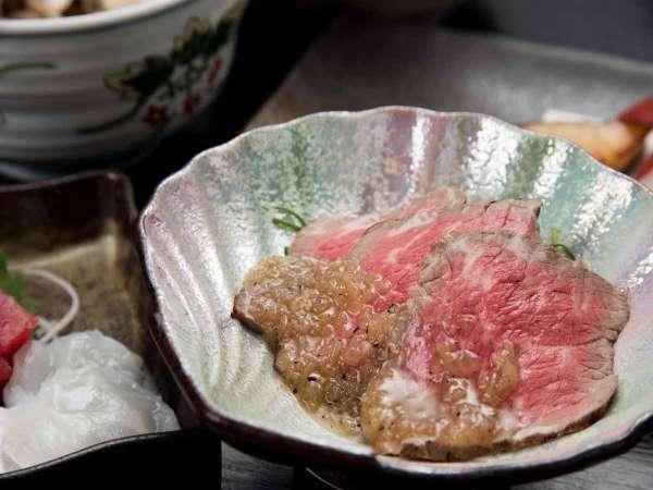 *お夕食一例(鴨のロースト)/低温でじっくりと火を通した鴨肉はしっとりとした食感。