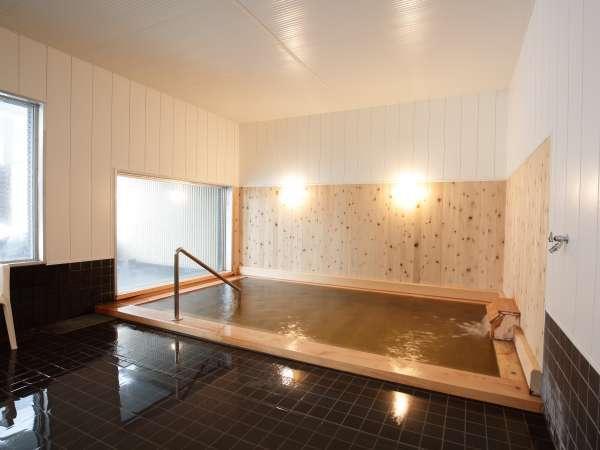 '大浴場 檜湯 【温泉はヌメリ感のある重曹を含みお肌がツルツルになります】