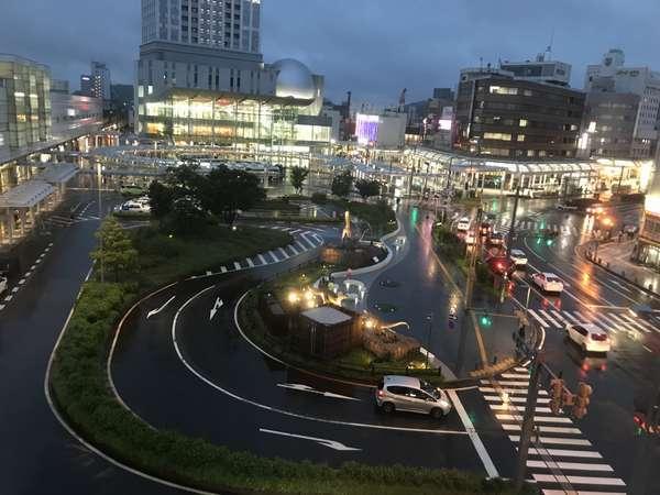 変わりつつある駅前周辺の夜景