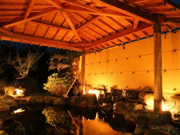 第一源泉「療養の湯」はナトリウム-炭酸水素塩泉は露天風呂でお楽しみください