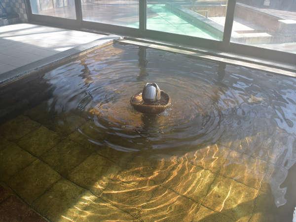 *大浴場一例/地下60mより湧き出る天然温泉は、筋肉痛や関節痛に効果あり!
