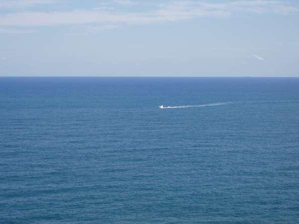 太平洋は、お部屋からの景観を毎日変えてくれます