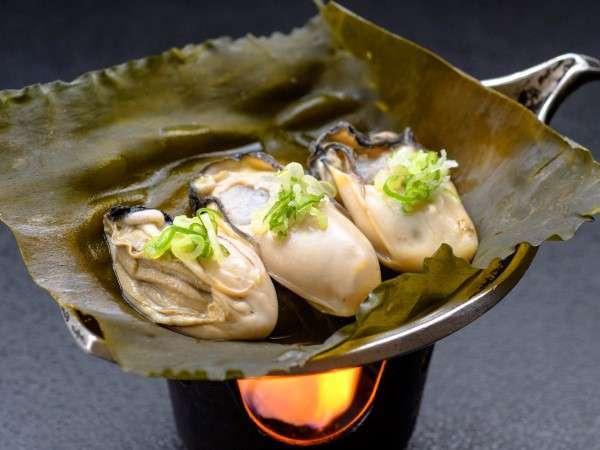 『牡蠣の松前焼き』牡蠣の美味しさがそのまま残る逸品。