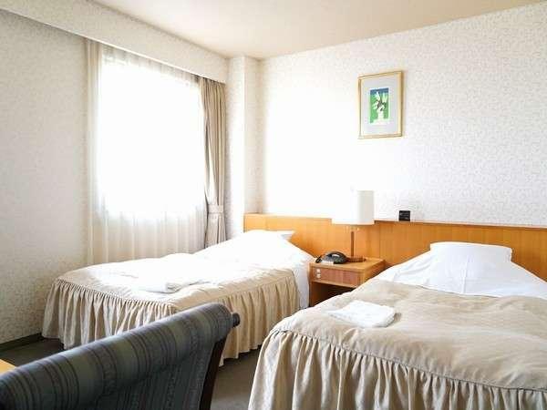 ツインルーム/28㎡/喫煙室・禁煙室/エキストラベッドを追加して3名様までご宿泊できます
