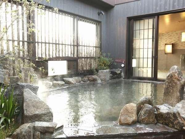 ◆男性大浴場露天風呂(約43℃)