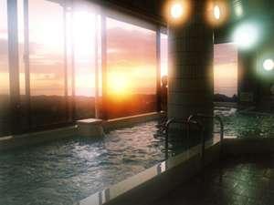 瀬戸内海に沈む夕日を見ながら天然温泉でごゆっくりどうぞ