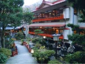 湯婆婆 (ゆばーば) がひょっこり現れそうな温泉宿・・・晴遊閣 大和屋ホテルへGO!