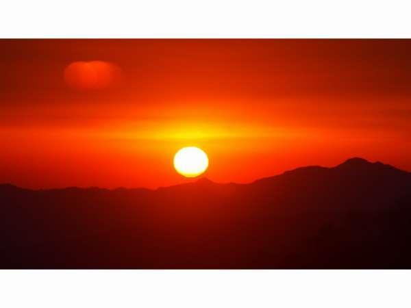 標高2000m厳冬の冬・山小舎ならではのあったか鍋プランー【鴨のすき焼き鍋】コース