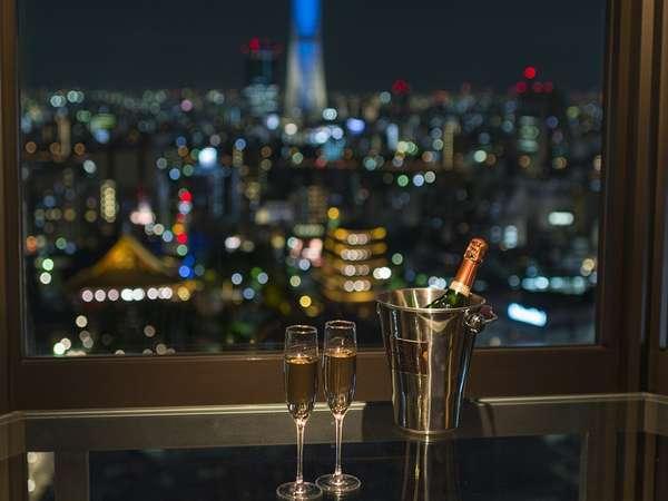 客室内バーカウンターとシャンパンイメージ