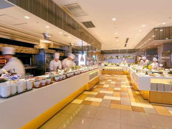 【1泊2食シリーズ】ライブクッキングが人気のレストラン「スカイグリルブッフェ武藏」