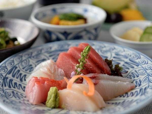 6F「歌留多」旬の鮮魚のお造り イメージ