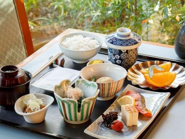 6F「日本料理 歌留多」の朝食イメージ<食数限定※土・日・祝日限定>